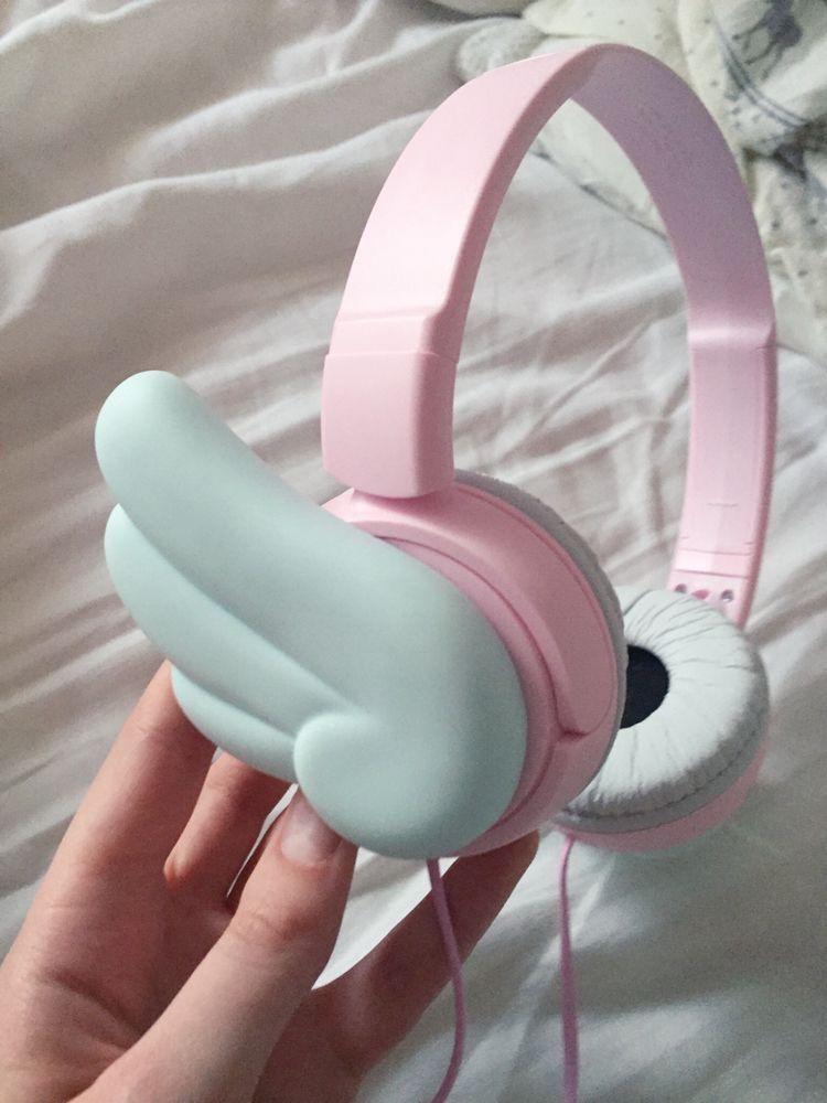 Headphone Tumblr In 2020 Girly Games Cute Headphones Gamer Gear