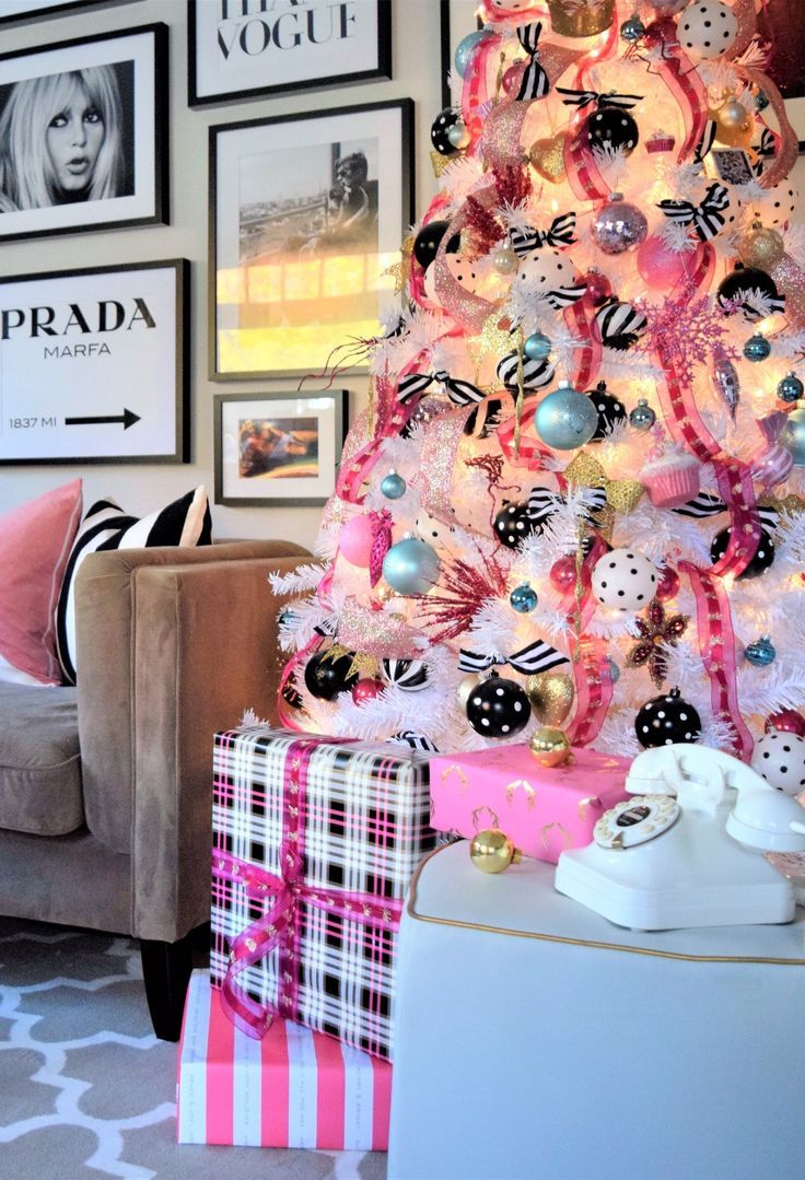 A Festive Apartment That's Pretty in Pink   Pink christmas ...