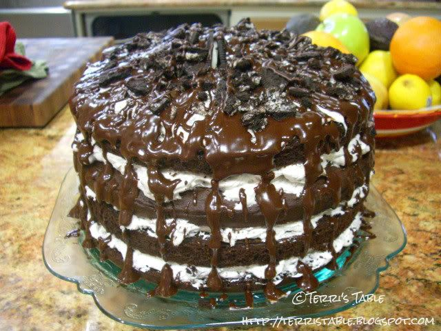 duncan hines chocolate fudge cake Oreo Cookie Cake  Oreo Cookie Cake ...