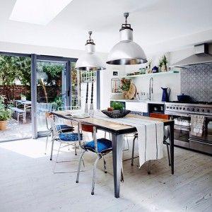 Eine Küche Im Industriellen Stil. Coole Idee Als Stilbruch