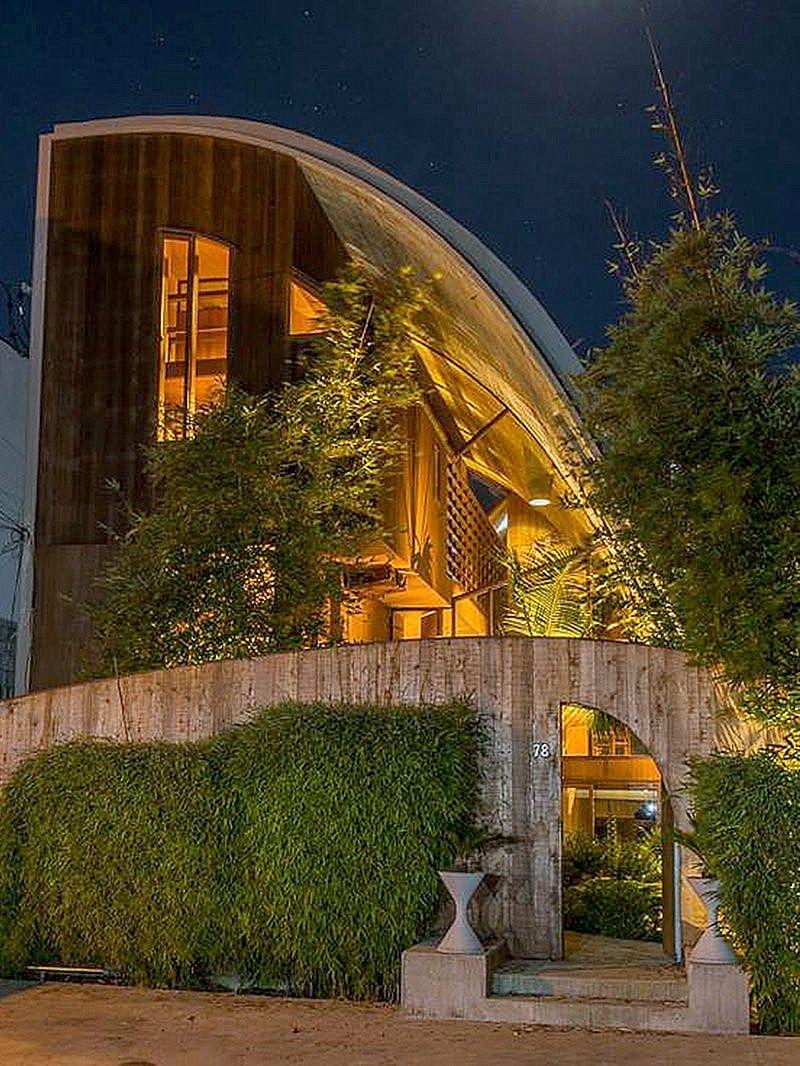 The Dan Stevens Malibu Residence — A John Lautner