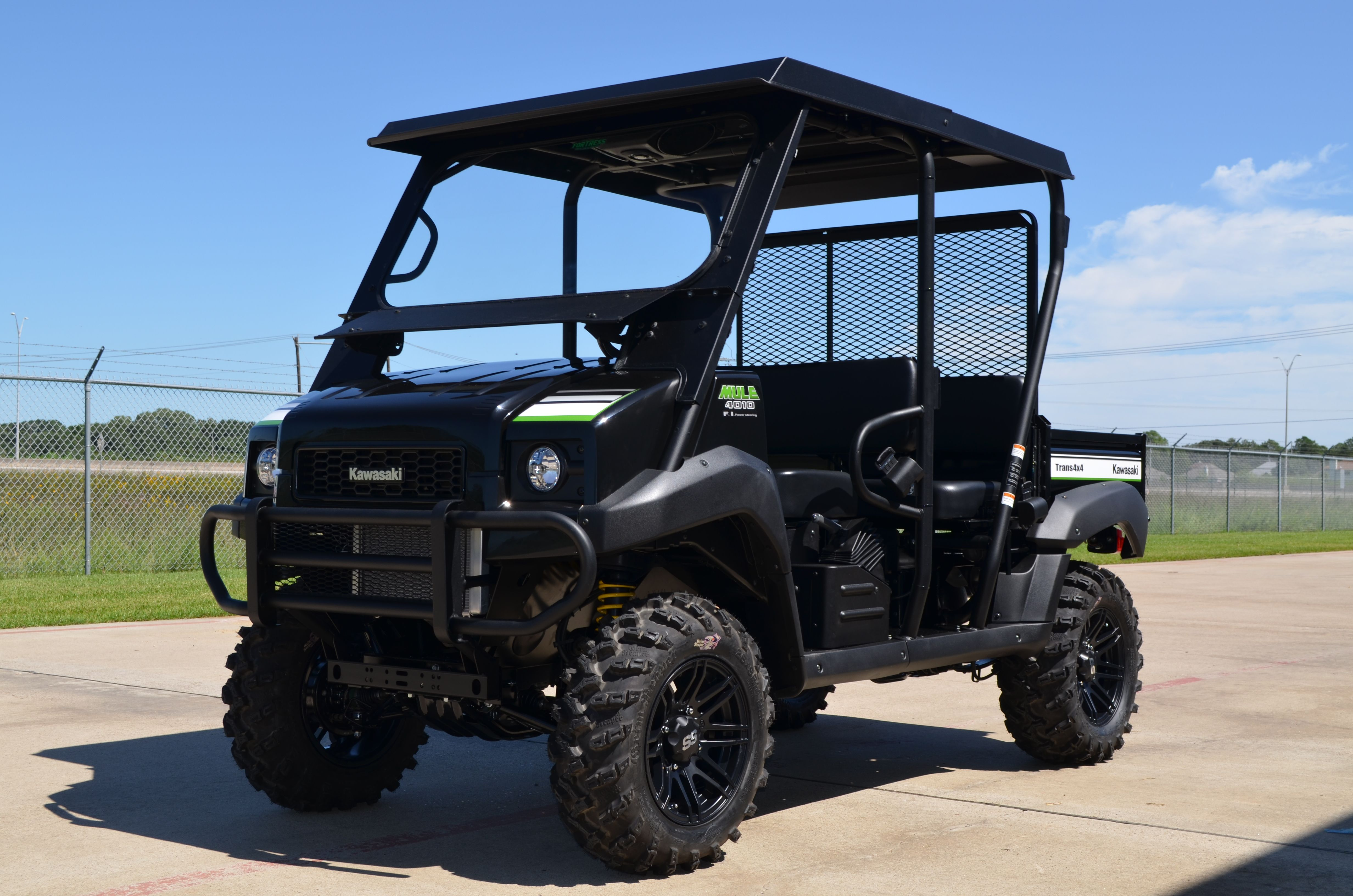 2015 Mule 4010 Trans Super Black Special Edition With Lift