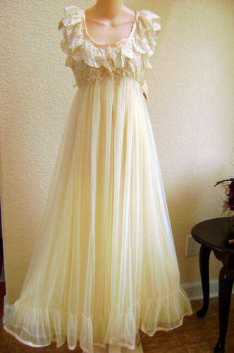 Tosca Neglige Peignoir Set Nightgown Robe Size Large Decadent