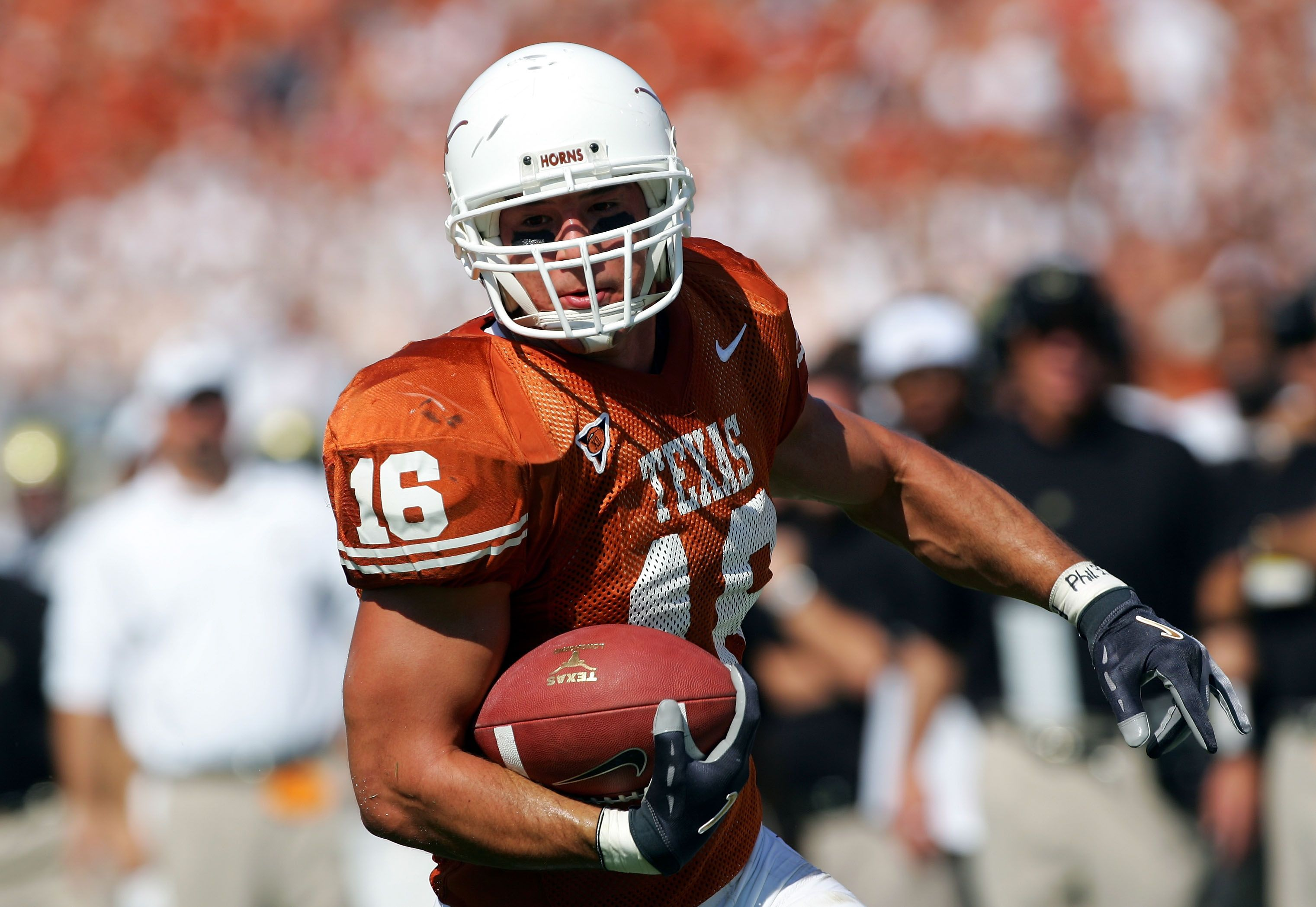 College Football The All Time 50 Greatest Texas Longhorns In 2020 Texas Longhorns Football Football Texas Longhorns