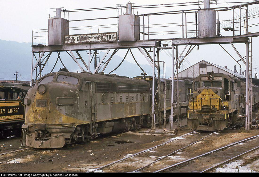 Railpictures net photo crr 2000 clinchfield railroad emd for Railpictures