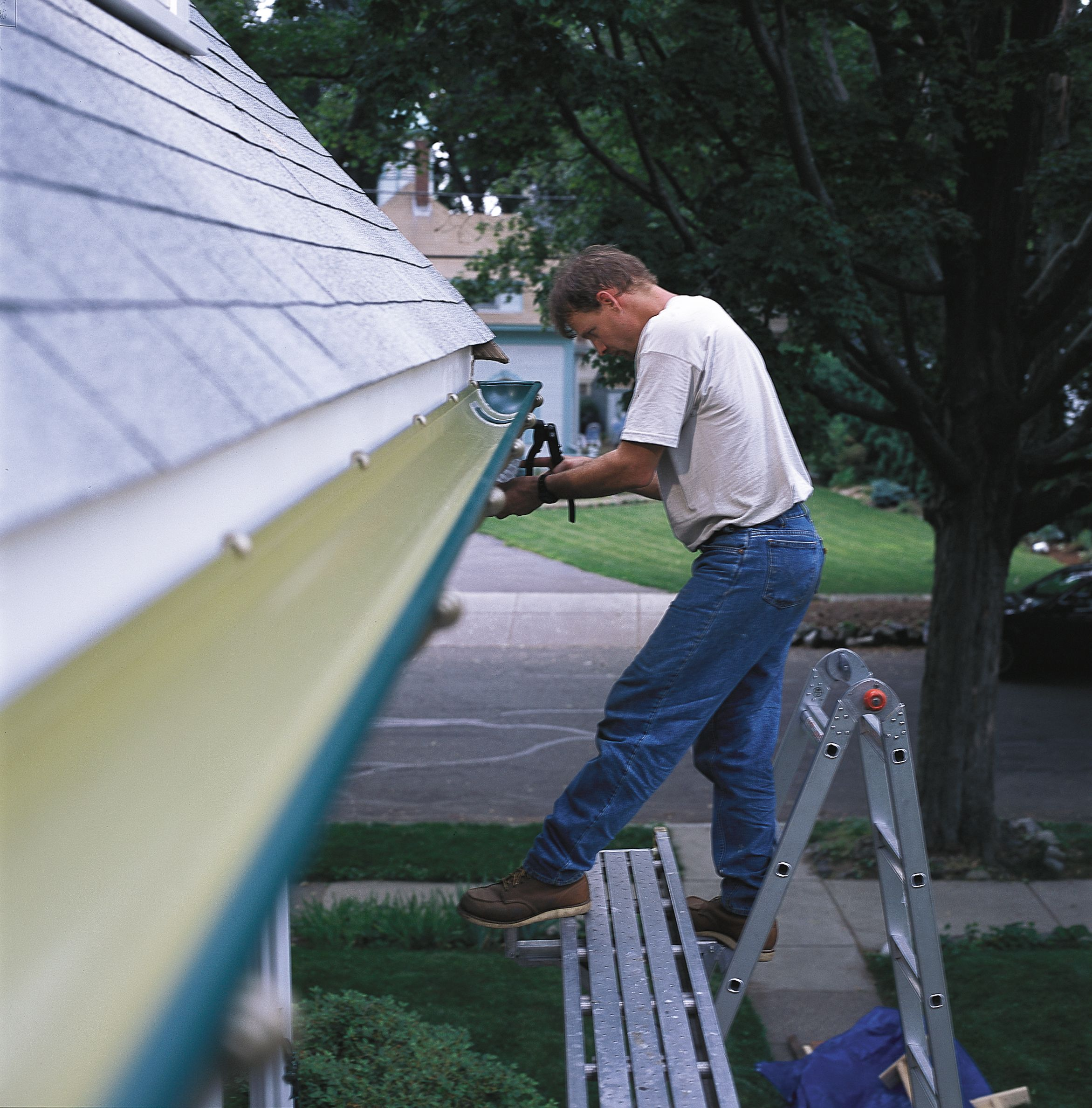 How To Install Rain Gutters How To Install Gutters Gutters Rain Gutters