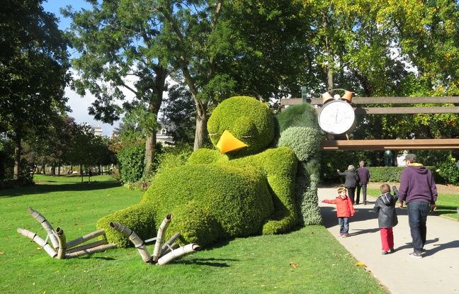 Nantes: Le poussin de Claude Ponti quitte le Jardin des ...