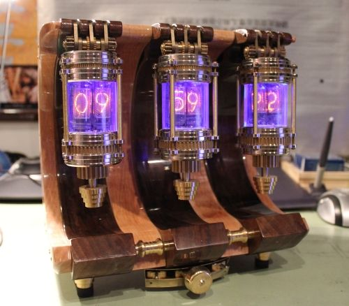 beautiful steampunk style nixie clock for the home. Black Bedroom Furniture Sets. Home Design Ideas