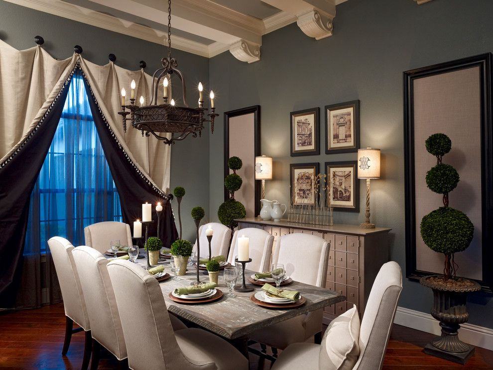 swinging door Traditional Dining Room Decoration ideas