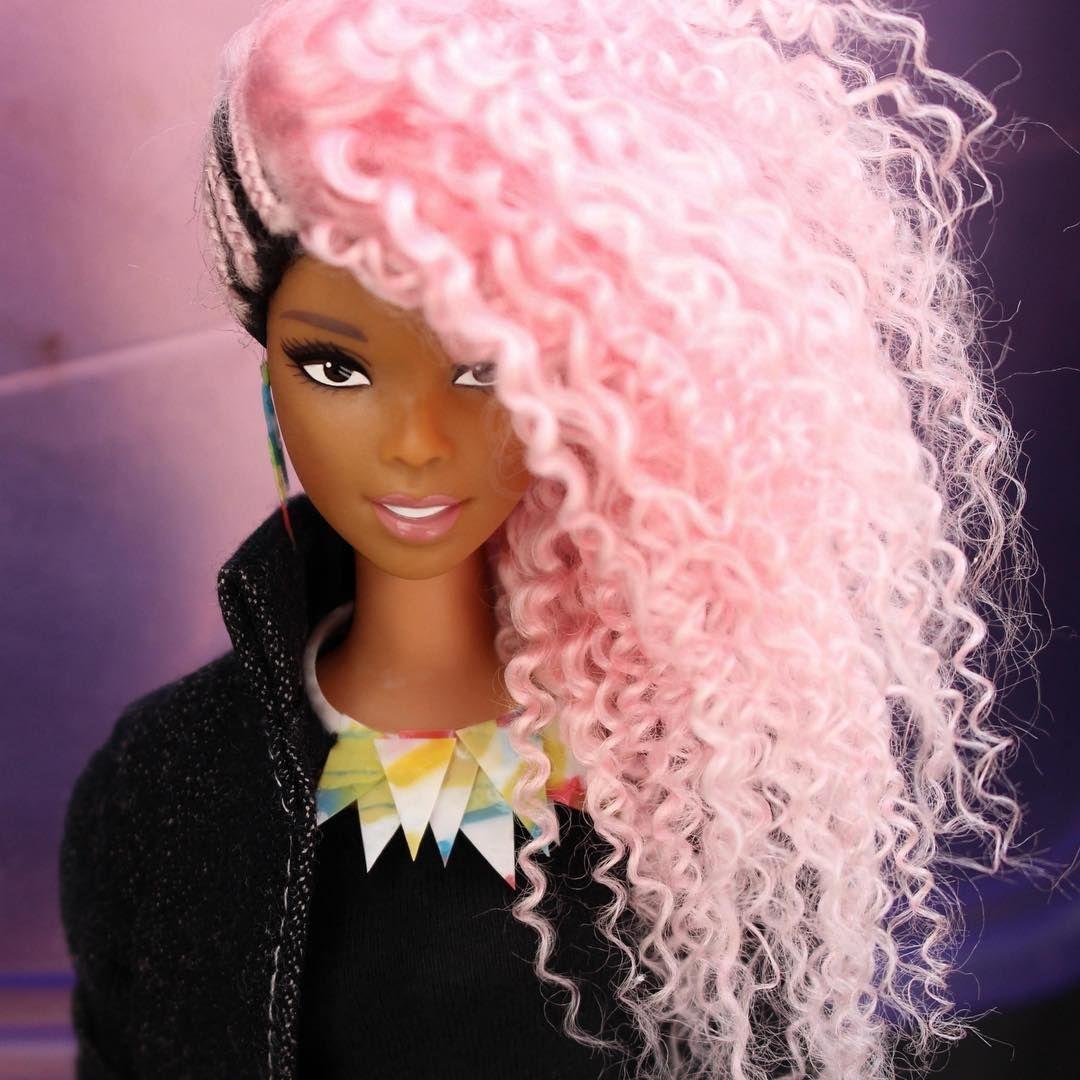 "2,072 curtidas, 79 comentários - The Royal Dolls® (@welovetheroyaldolls) no Instagram: ""Conka. #dreamhair #makeup #hairstyle #longhair #lips #dollcustom #mattel #barbie #fulllacewig…"""