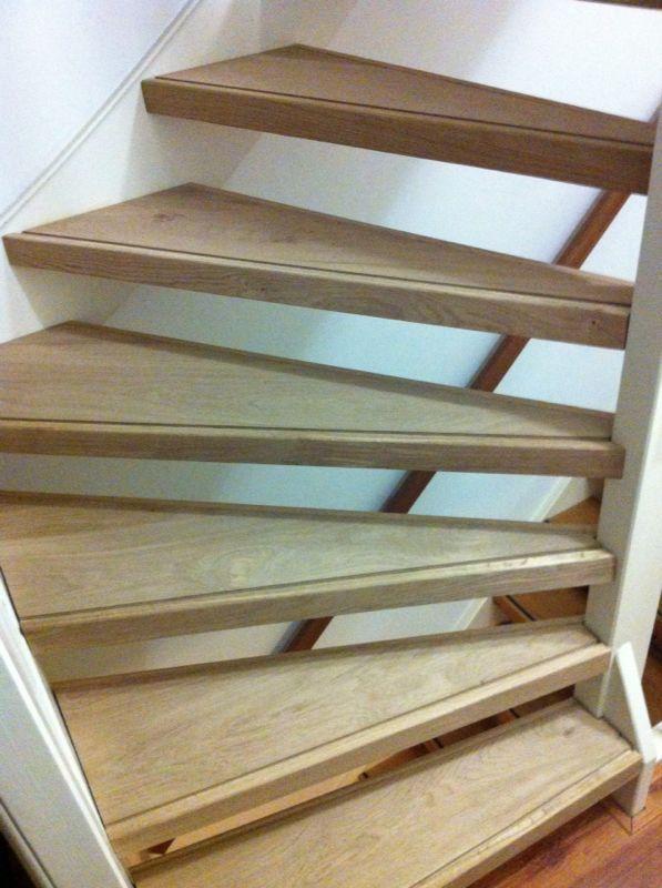 Open trap met eiken hout bekleed door natuurlijk hout for Open trap bekleden met hout
