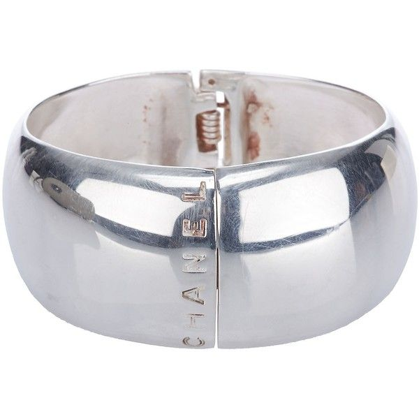 CHANEL VINTAGE Vintage strerling silver cuff ($1,125) ❤ liked on Polyvore featuring jewelry, bracelets, bracciali, pulseras, women, cuff bracelet, hinged bracelet, silver hinged bracelet, vintage jewelry и silver hinged bangle