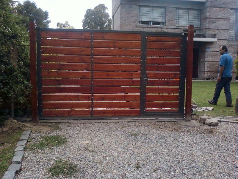 Cercos de madera buscar con google cercos puertas de - Puertas de garaje de madera ...