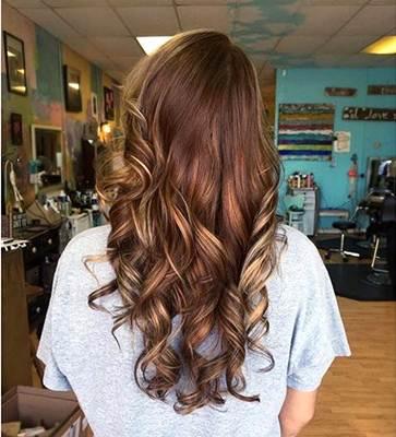 كتالوج و درجات لون صبغة غارنييه بني و افضل الانواع و الاسعار Brown Hair With Blonde Highlights Brown Blonde Hair Blonde Highlights