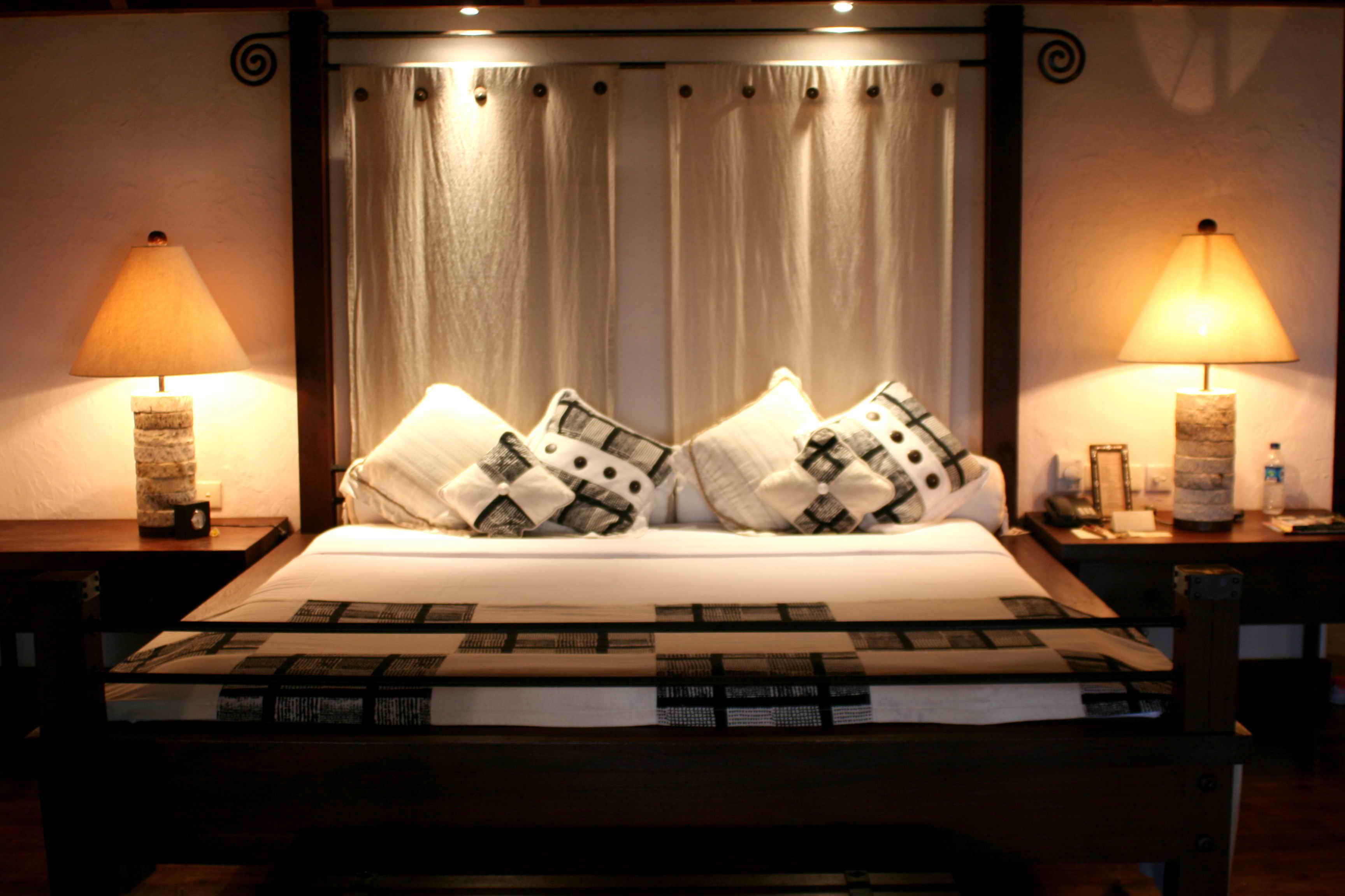 Room Rent FREE Fully furnished Rooms Flats