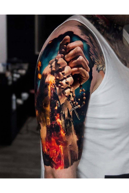 Realistic tattoos on the sleeves - BeatTattoo.com #sleevetattoo #tattooed #inkpeople #beattattoo