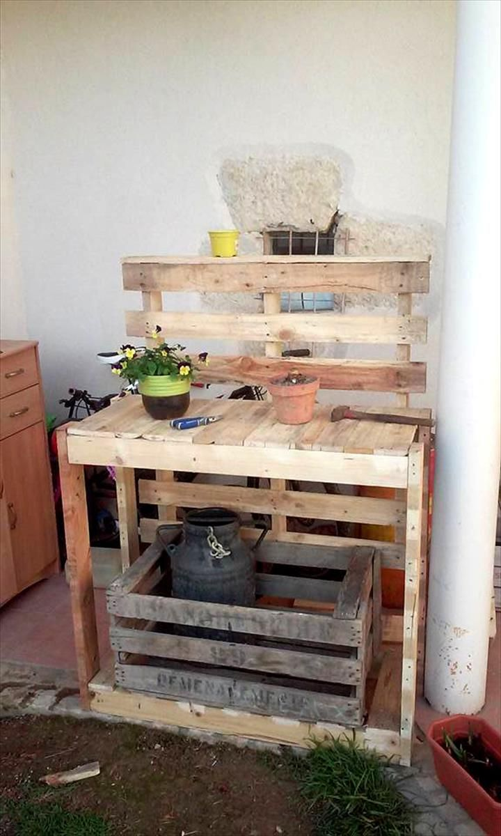 Top 30 Pallet Ideas to DIY Furniture
