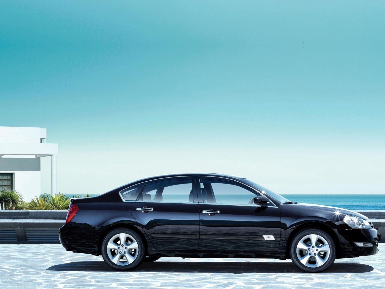 Renault Safrane (2009) - Side View