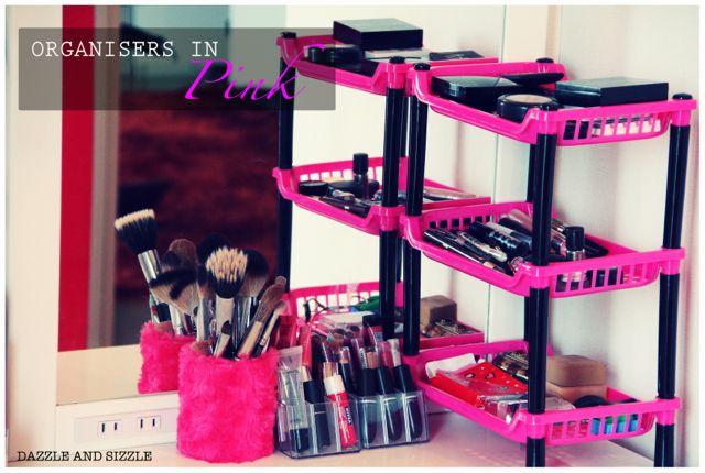 Attractive Makeup organisers