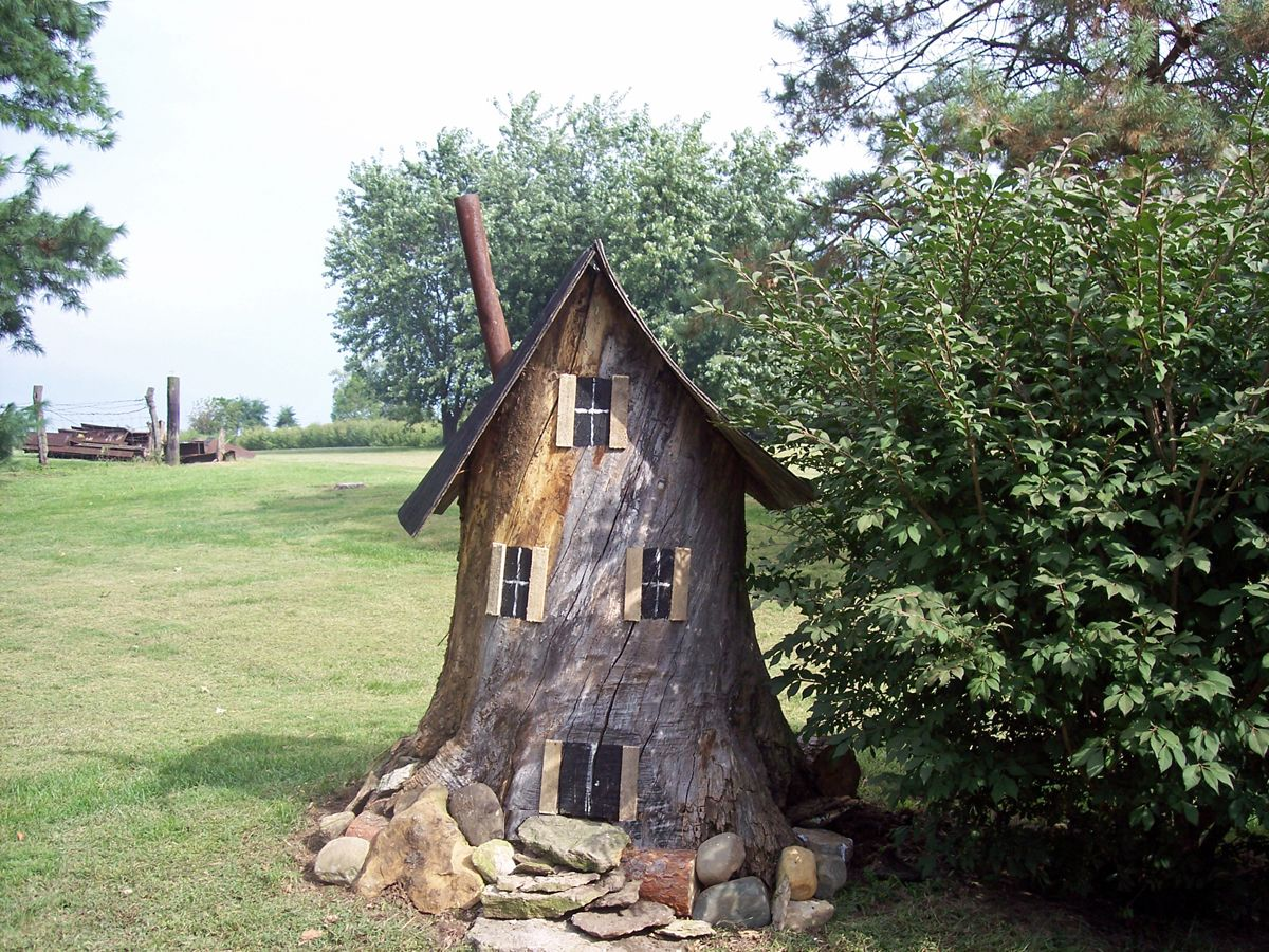gnome house you may not see the gnomes coming or going but if you rh pinterest com