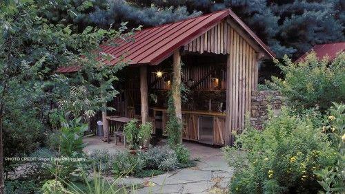 outdoor kitchen hangout.....