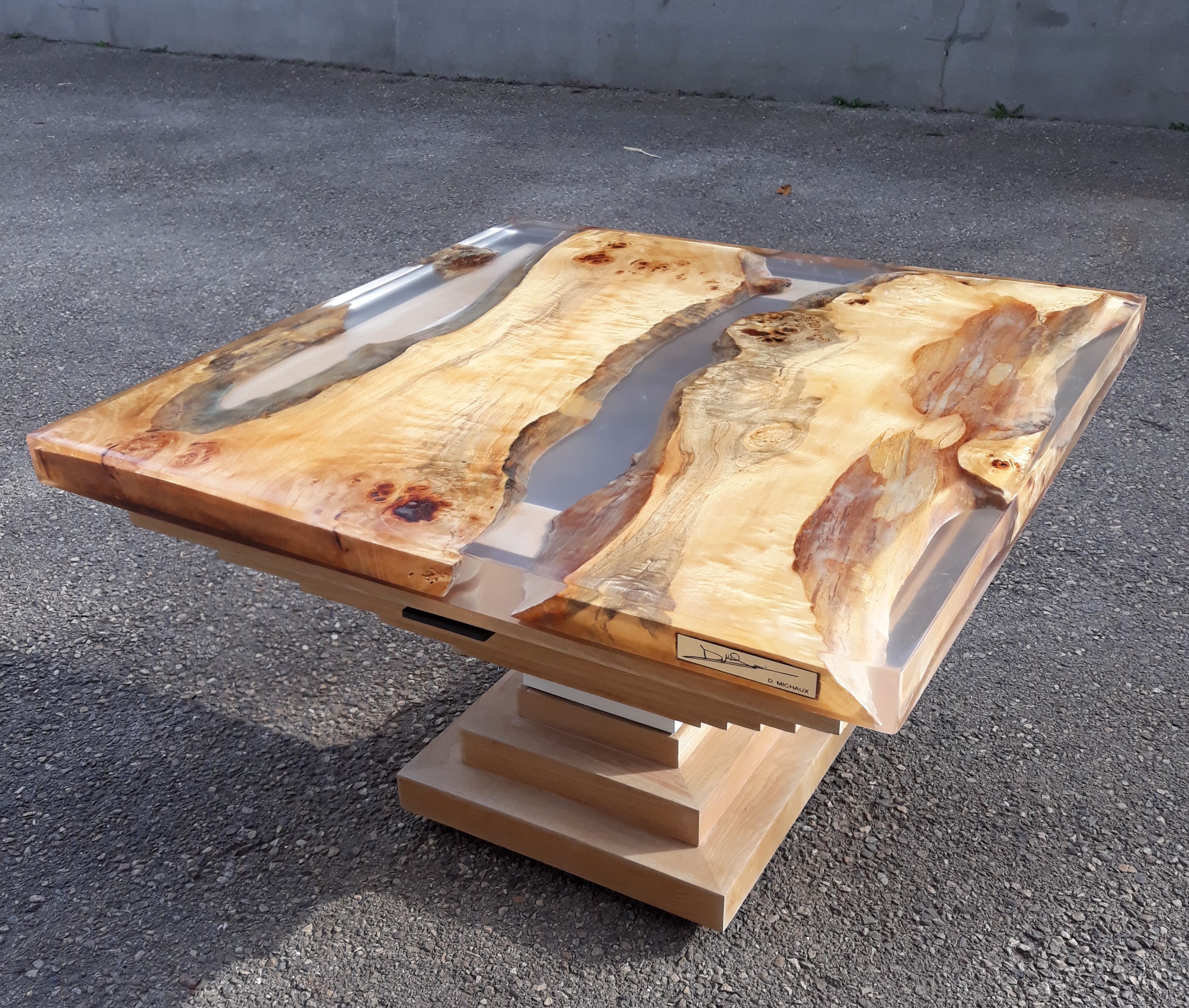 Table Basse En Resine Et Bois Table Basse Idee De Decoration Bois