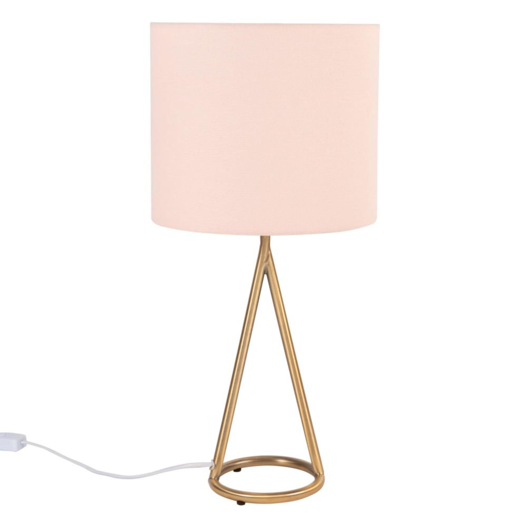 Lampe En Metal Dore Et Abat Jour Rose Poudre Maisons Du Monde En 2020 Abat Jour Abat Jour Rose Lampe