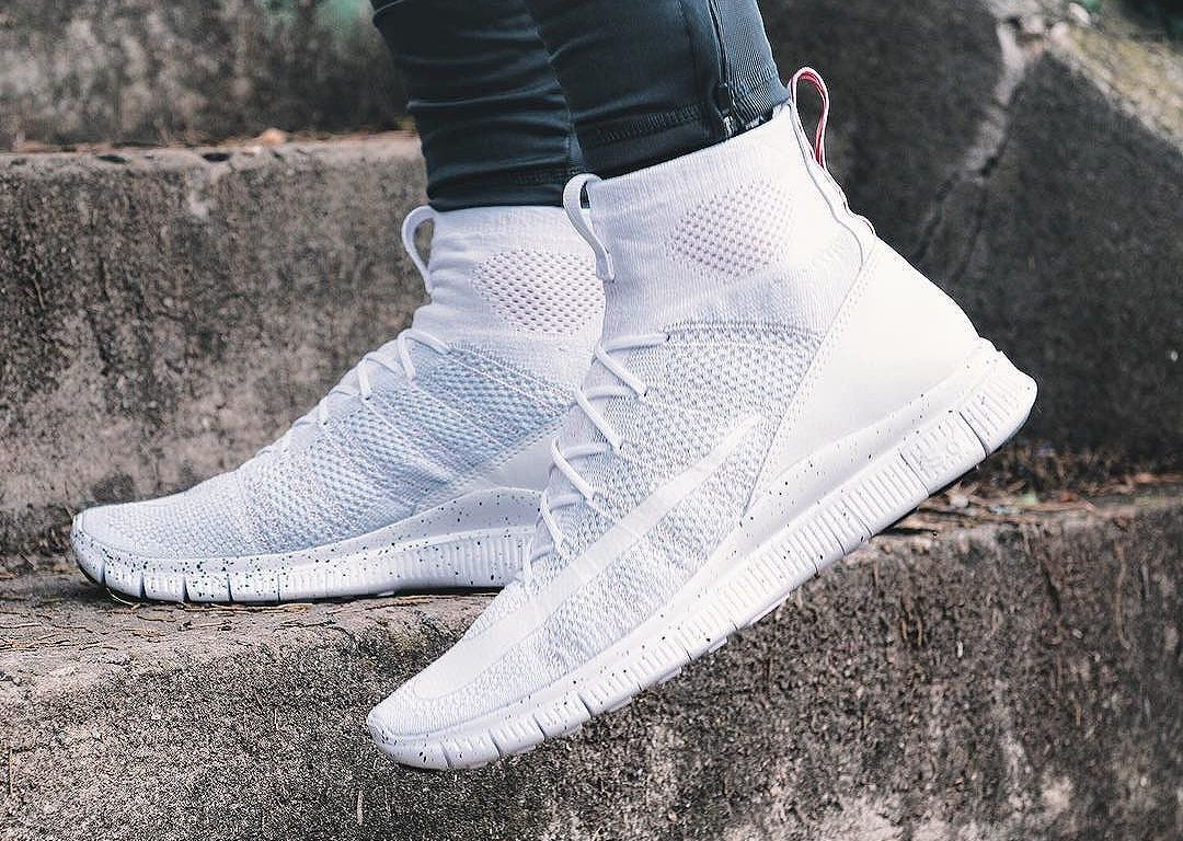 low priced 933c4 e55d9 Basket Nike Free Flyknit Mercurial Superfly Triple White