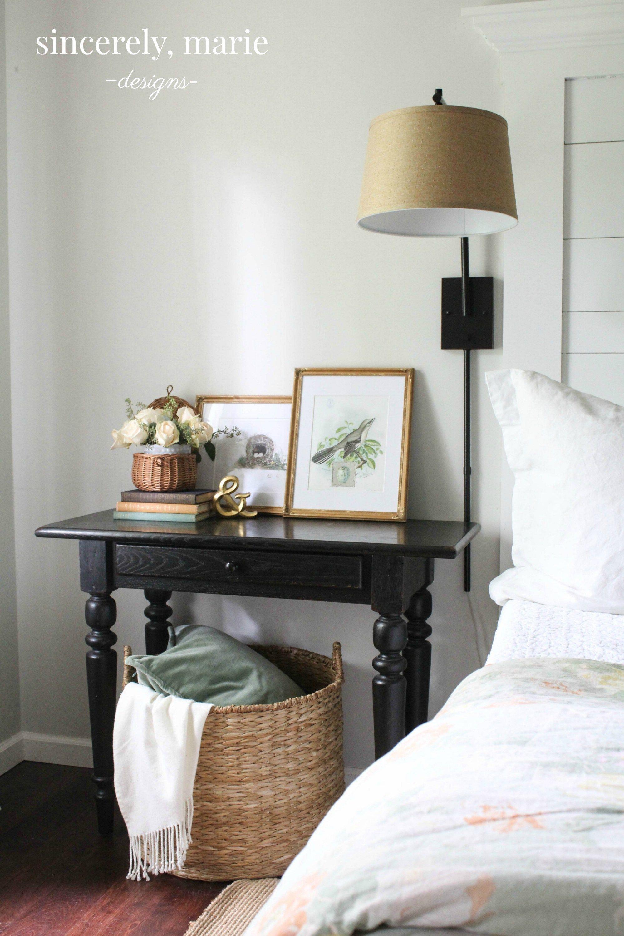 3 simple nightstand styling tips free vintage prints bedrooms rh pinterest es