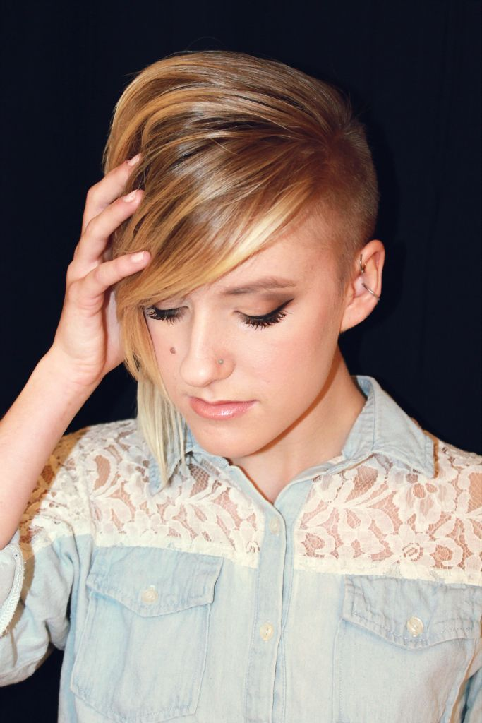 Funky Short Hair Shaved Side Hair Extravaganza Pinterest