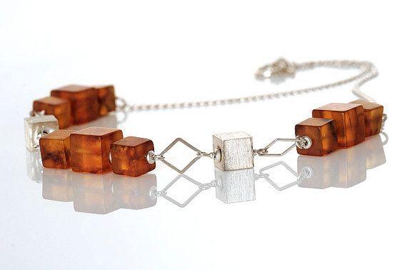 Silver Cube Necklace  Natural Amber Beaded  Honey di AnnaBujak