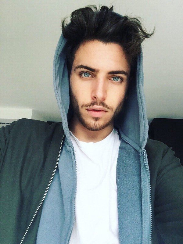 Pin By Logan On Beautiful Human Beings With Images Blue Eyed