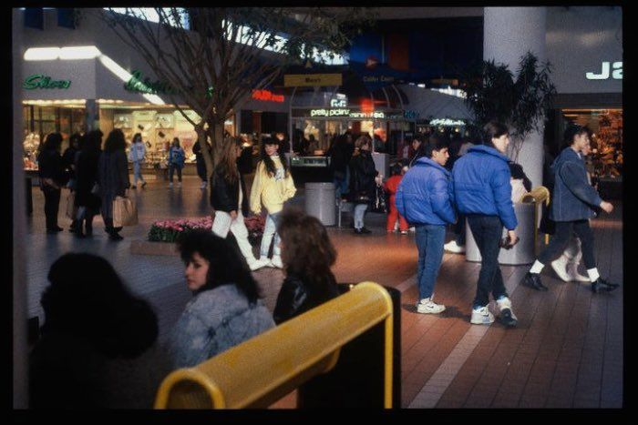 What American Shopping Malls Looked Like In Shopping Mall - Shopping malls america changed since 1989