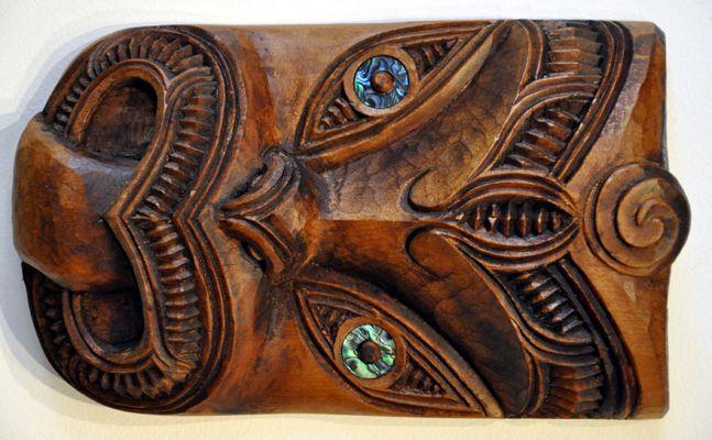 Maori sculpture tiki mask oceania pinterest