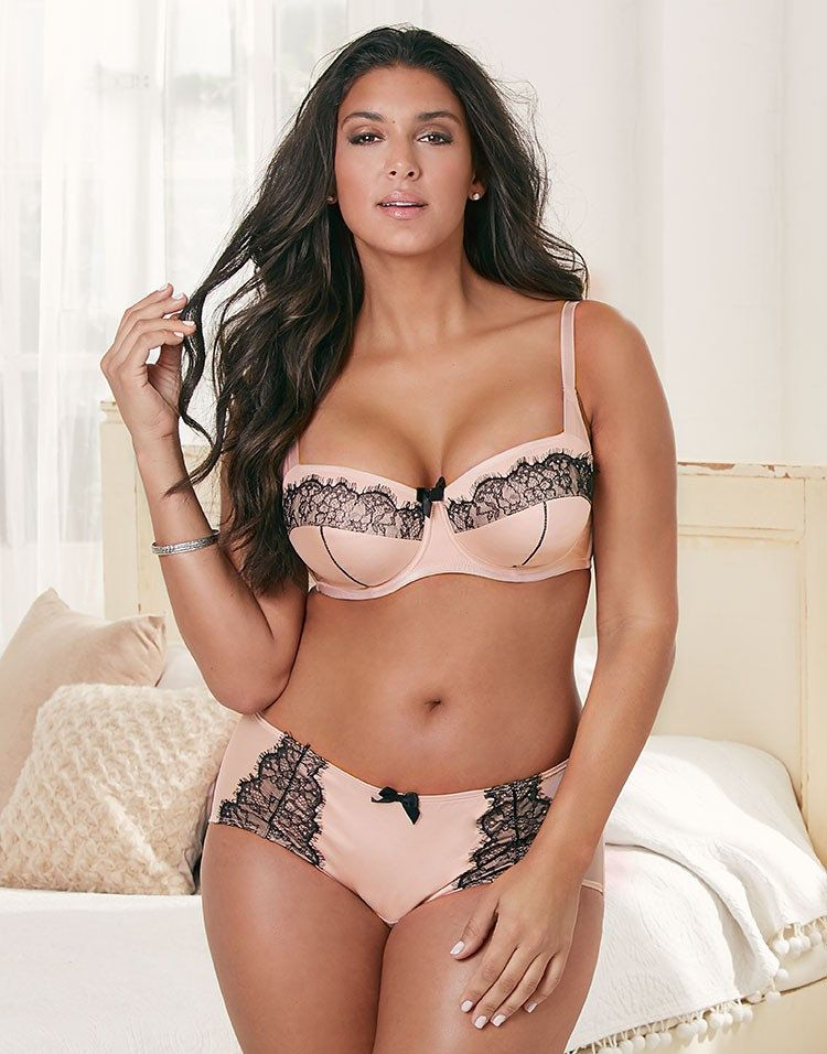 9289898b4 Adore Me Valentine s Day Plus Size Lingerie Lookbook