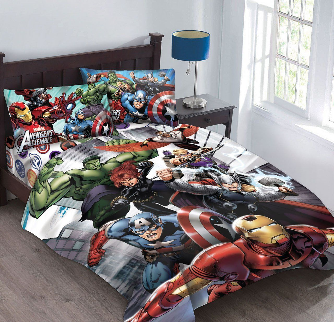 Amazon.com: Marvel Avengers Agents of SHIELD Full Comforter Set with Fitted Sheet: Home & Kitchen
