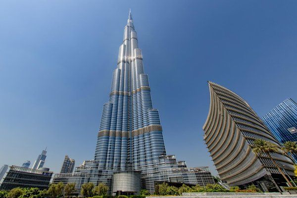 Holidays in Dubai City - Some Travel Tips By Sam Rosenberg  Dubai with its glitzy shopping centers, stupendous style, lavish resorts and sun-kissed beaches makes sure to leave you spell-bound in your vacations.