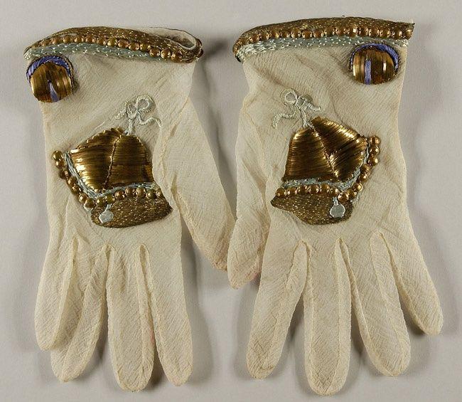 1939 Elsa Schiaparelli, Gloves embroidered by Lesage, Paris - Philadelphia Museum of Art