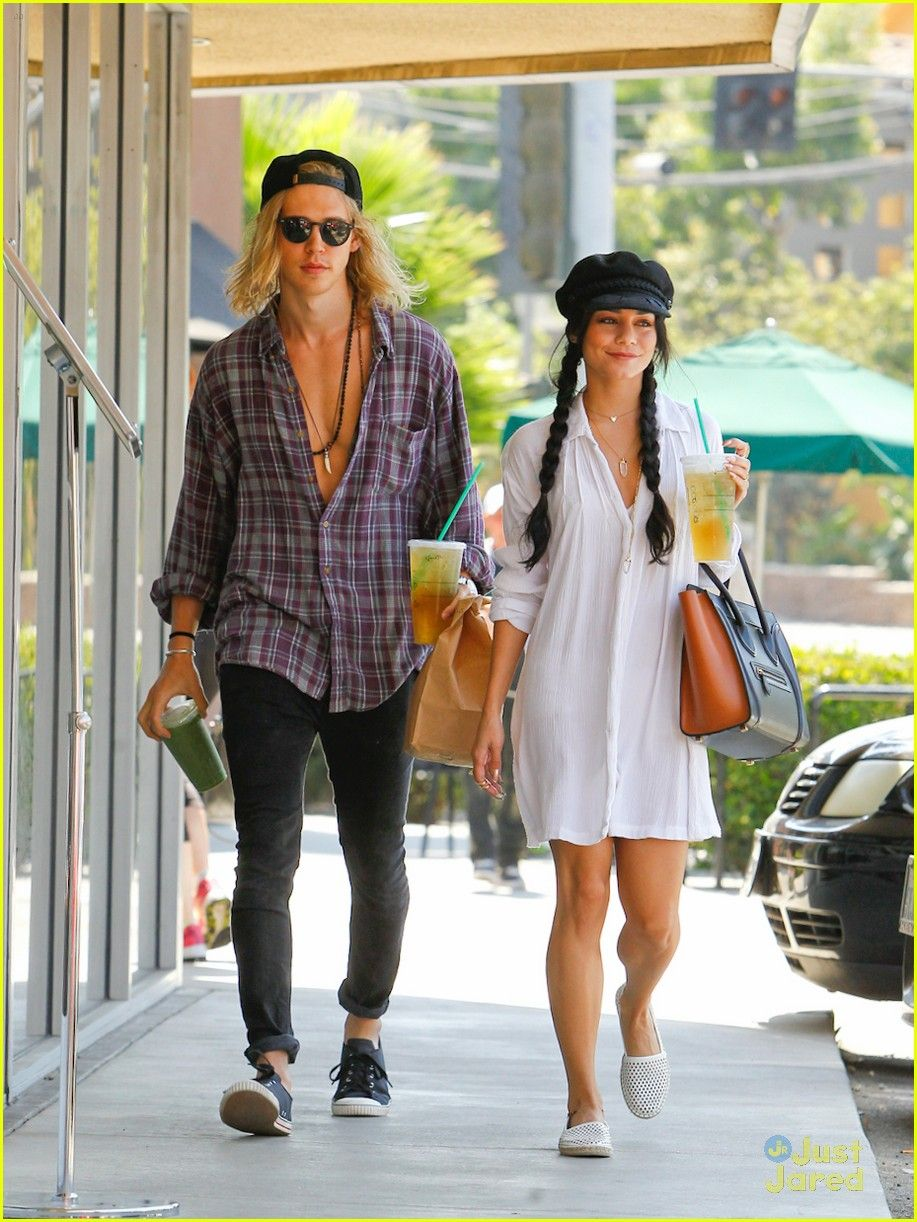Have hit Vanessa hudgens and austin butler like this