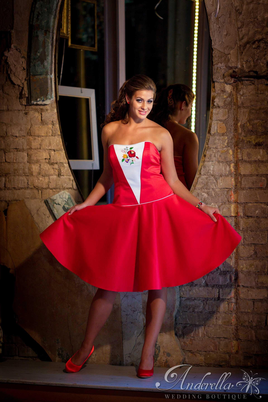 8b67e16d95 Pin szerzője: Anderella Wedding Boutique-Esküvői ruha szalon ...