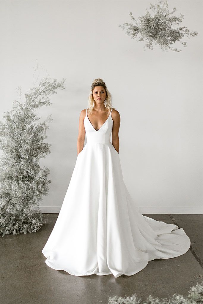 Tara LaTour has created a breathtaking collection, Rose + Williams, that marries today's modern ideas along with romantic details of the past. Bringing vintage inspired silhouettes, hand-crafte #weddingdresses