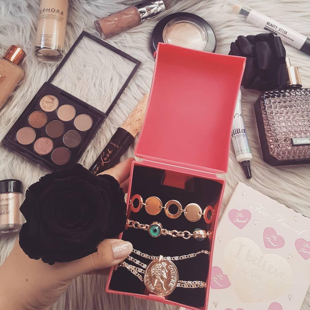Uygun Fiyatli Harika Aksesuarlar Icin Takip Edebilirsiniz Bugun Elime Gecti He Dior Bag Lady Dior Lady Dior Bag