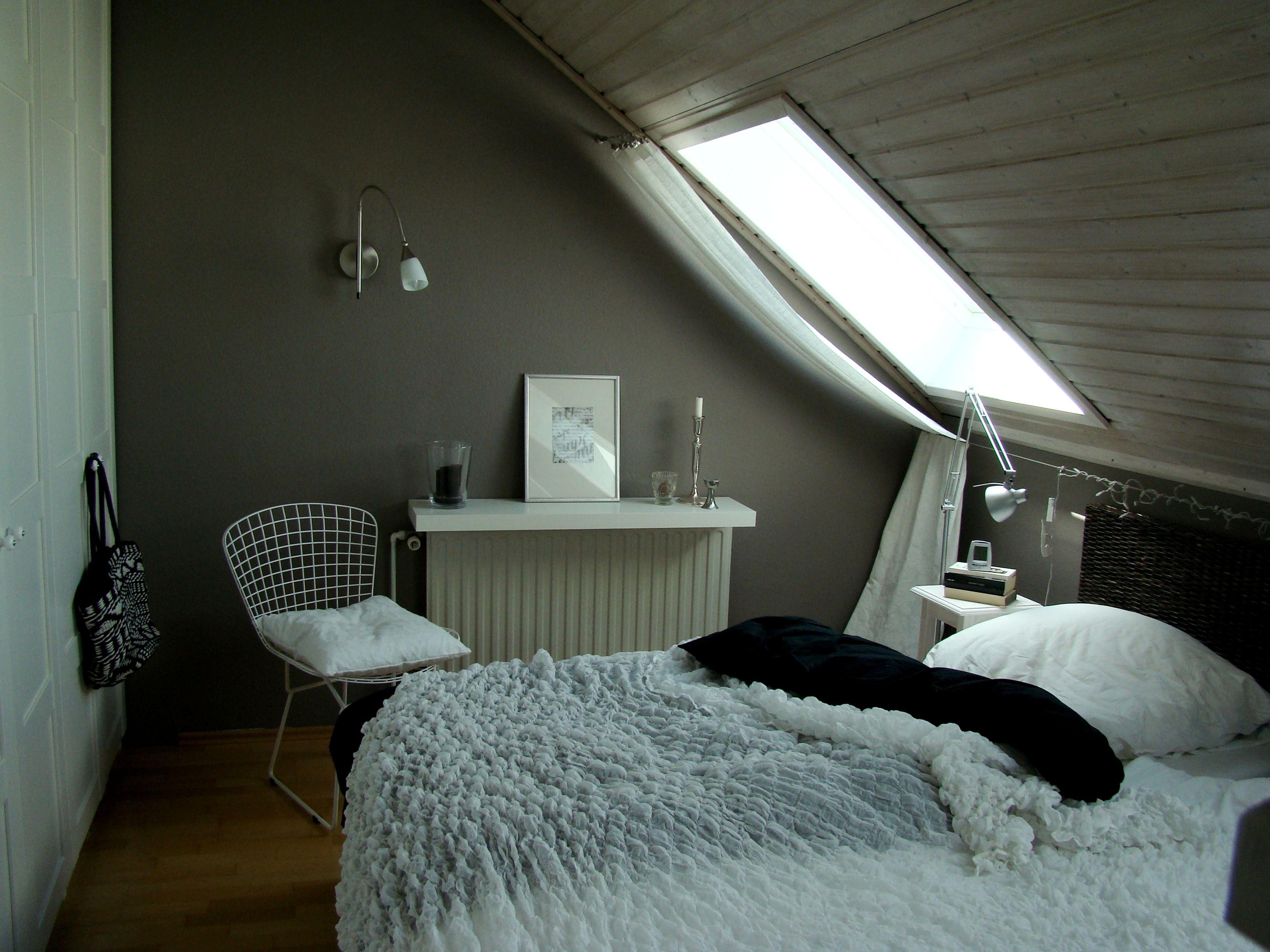 Mein Schlafzimmer   Dachschräge einrichten, Schlafzimmer dachschräge, Zimmer mit dachschräge ...