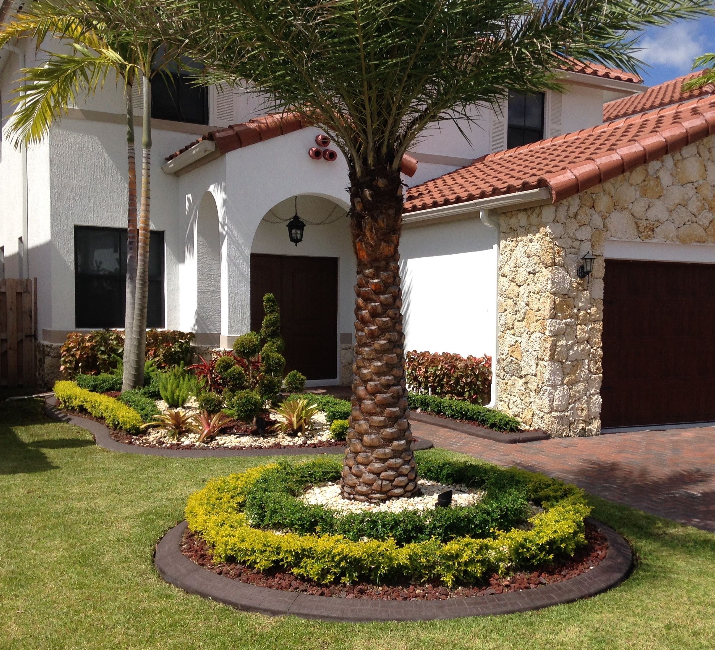 Spanish Fort Town Center Apartments: Pin By MIAMI EXCLUSIVE BORDERS On Garden Edges And Borders