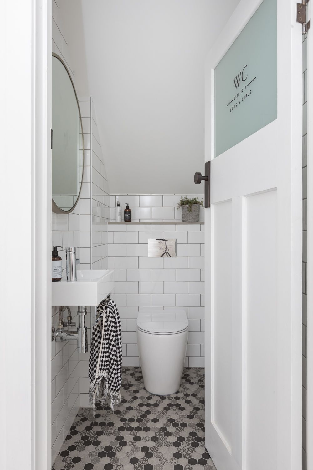Powder rooms also pin by angela   rourke on qld bathroom pinterest glass mosaic