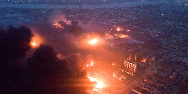 En Chine Une Explosion Massive Dans Une Usine Chimique Fait Plus De 60 Morts Usine Chimique Industrie Chimique Echelle De Richter
