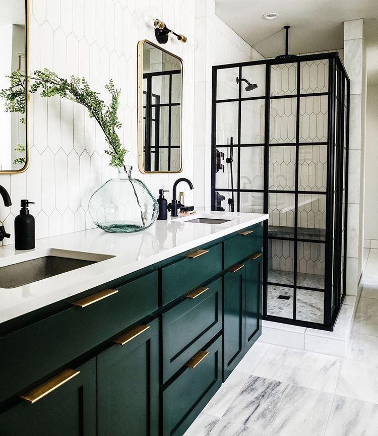 Show Stopping Colors Aren T Just For Living Rooms And Kitchens Anymore Craven Haven S Use Of Essex G Bathroom Remodel Master Bathroom Decor Bathrooms Remodel