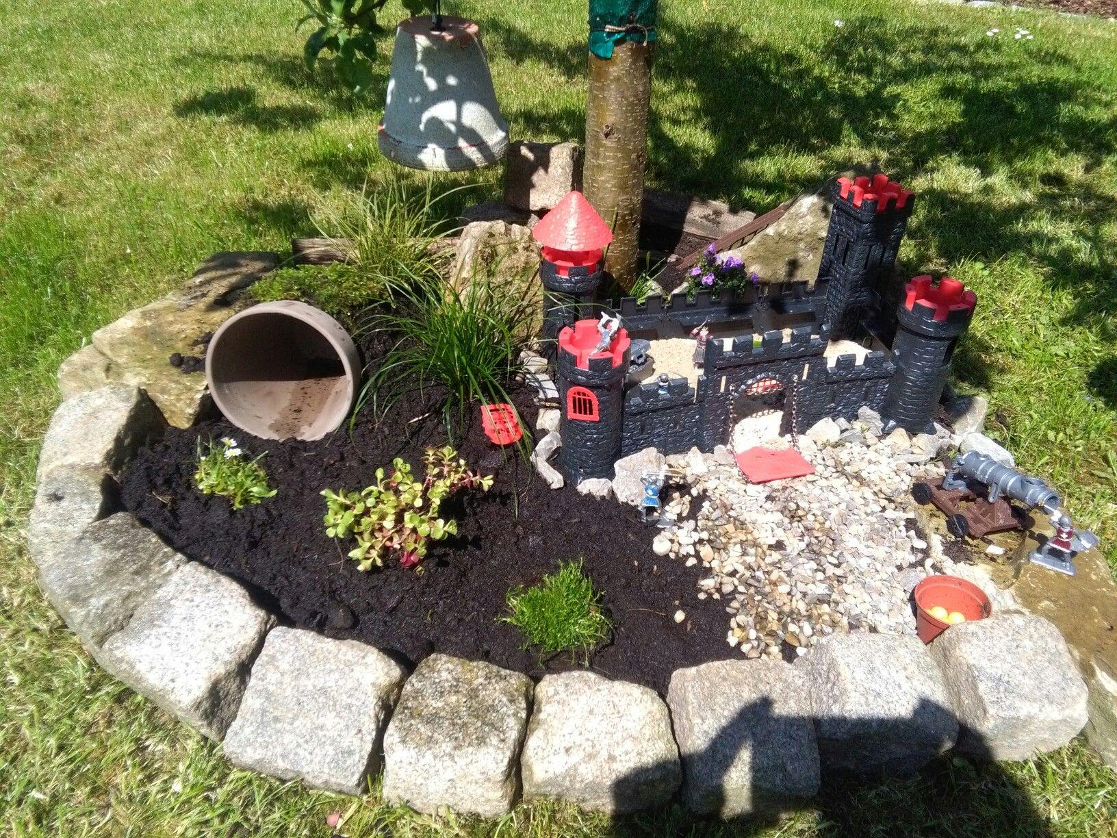 Einen Ritter Garten selbstgemacht Einfach Steine aussen rum und mit ...