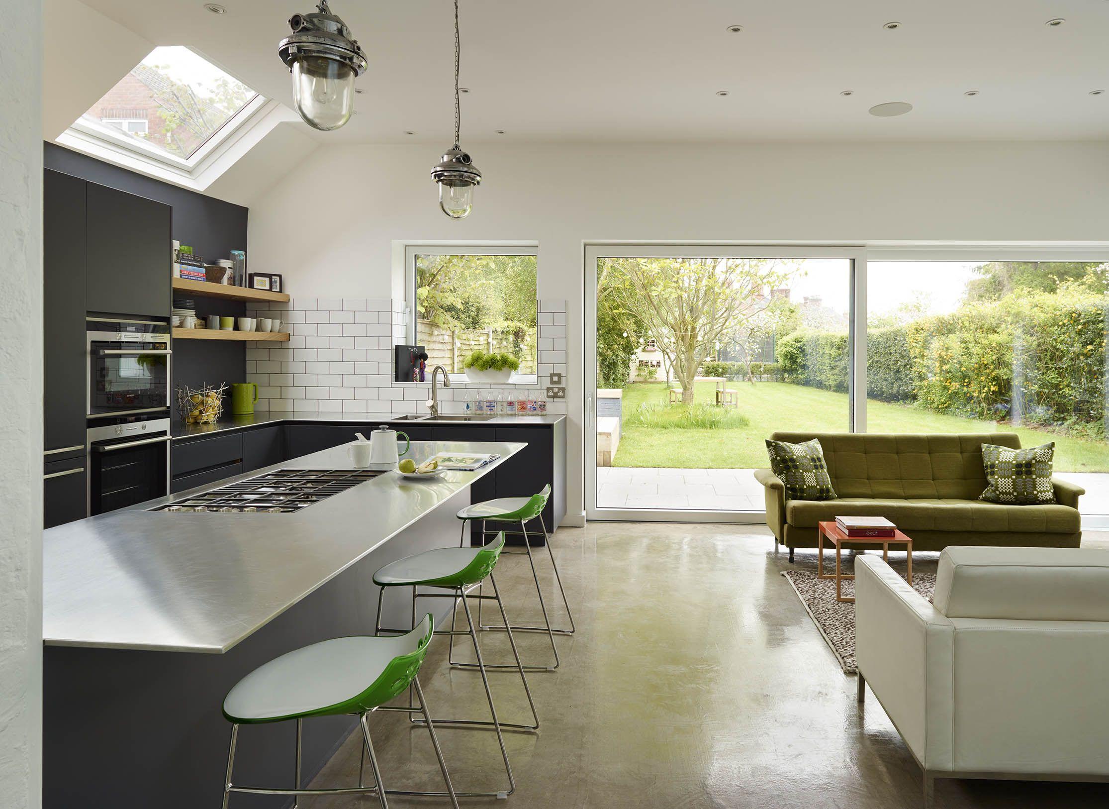 Urbo matt lacquer kitchen in Dulux 30BB