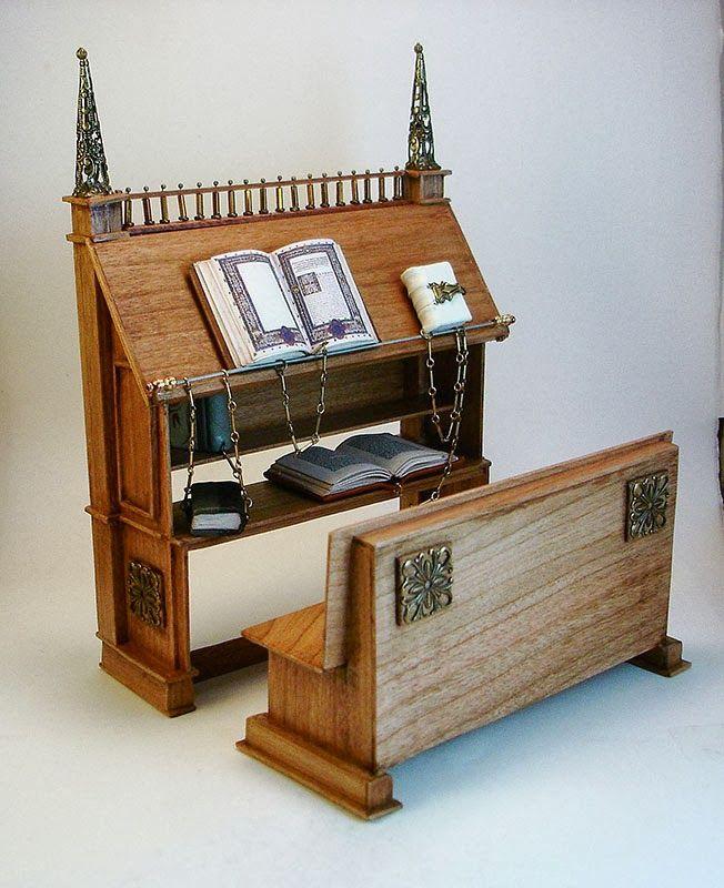 Good Sam Showcase of Miniatures Books Curiosities